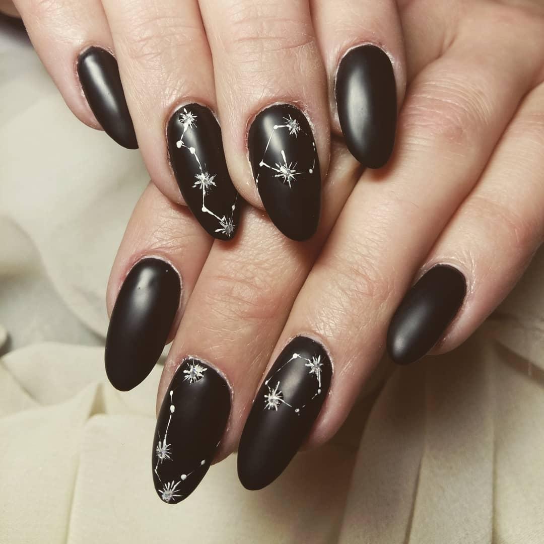 Черный-дизайн-ногтей-2020:-последние-тренды-и-идеи