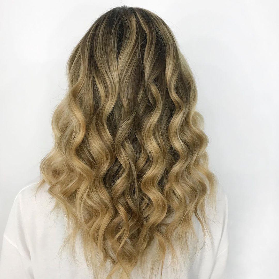 Прически-на-средние-волосы-2020;-красивые-идеи-для-модниц