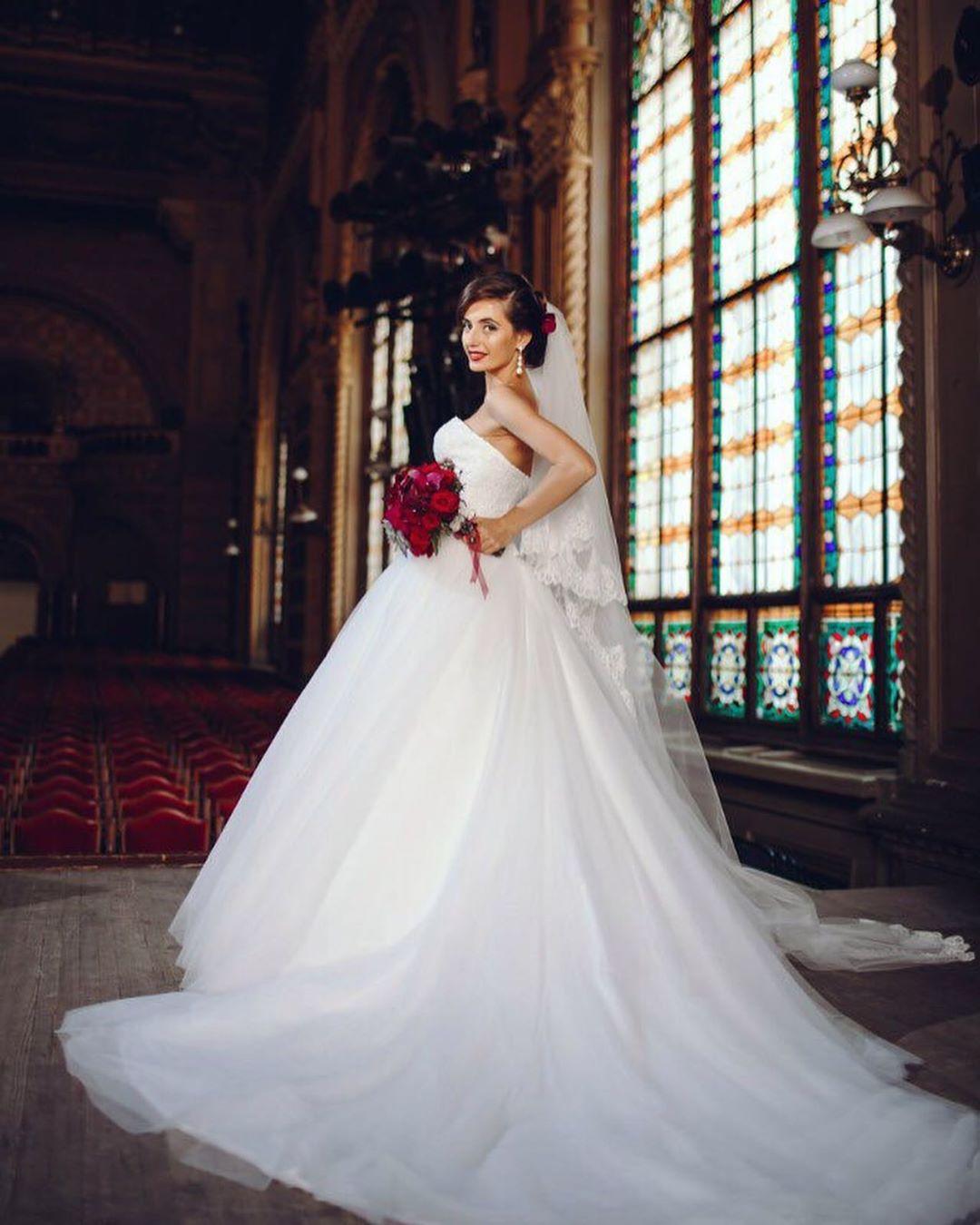 Свадебные-платья-2020;-трендовые-и-модные-свадебные-платья