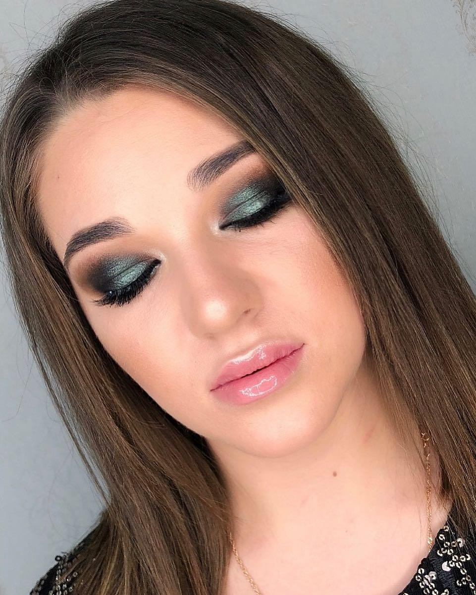 Смоки-2022;-любимый-дымчатый-макияж-глаз-смоки