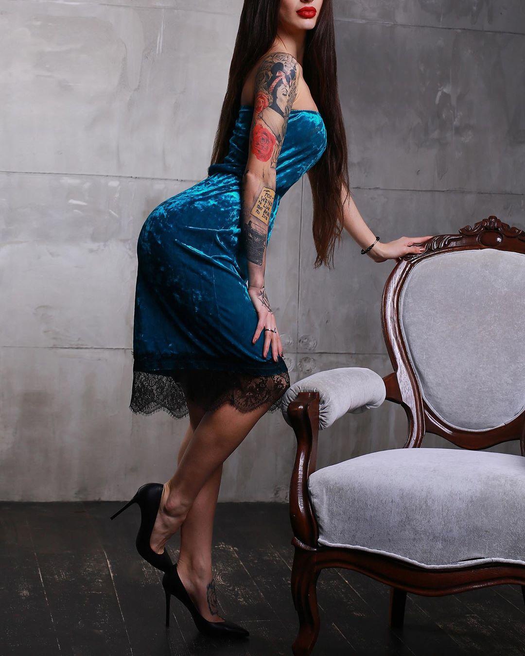 Бархатные-платья-2020;-модные-тренды-и-тенденции