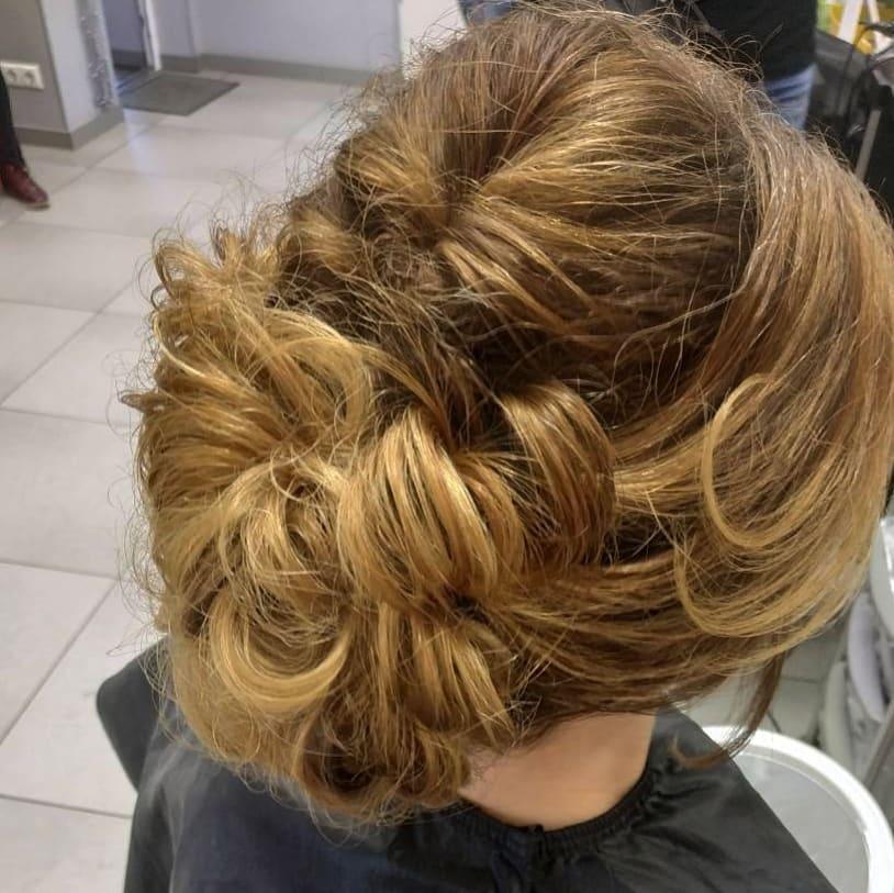 Стрижки-на-длинные-волосы-2019-женские-коса