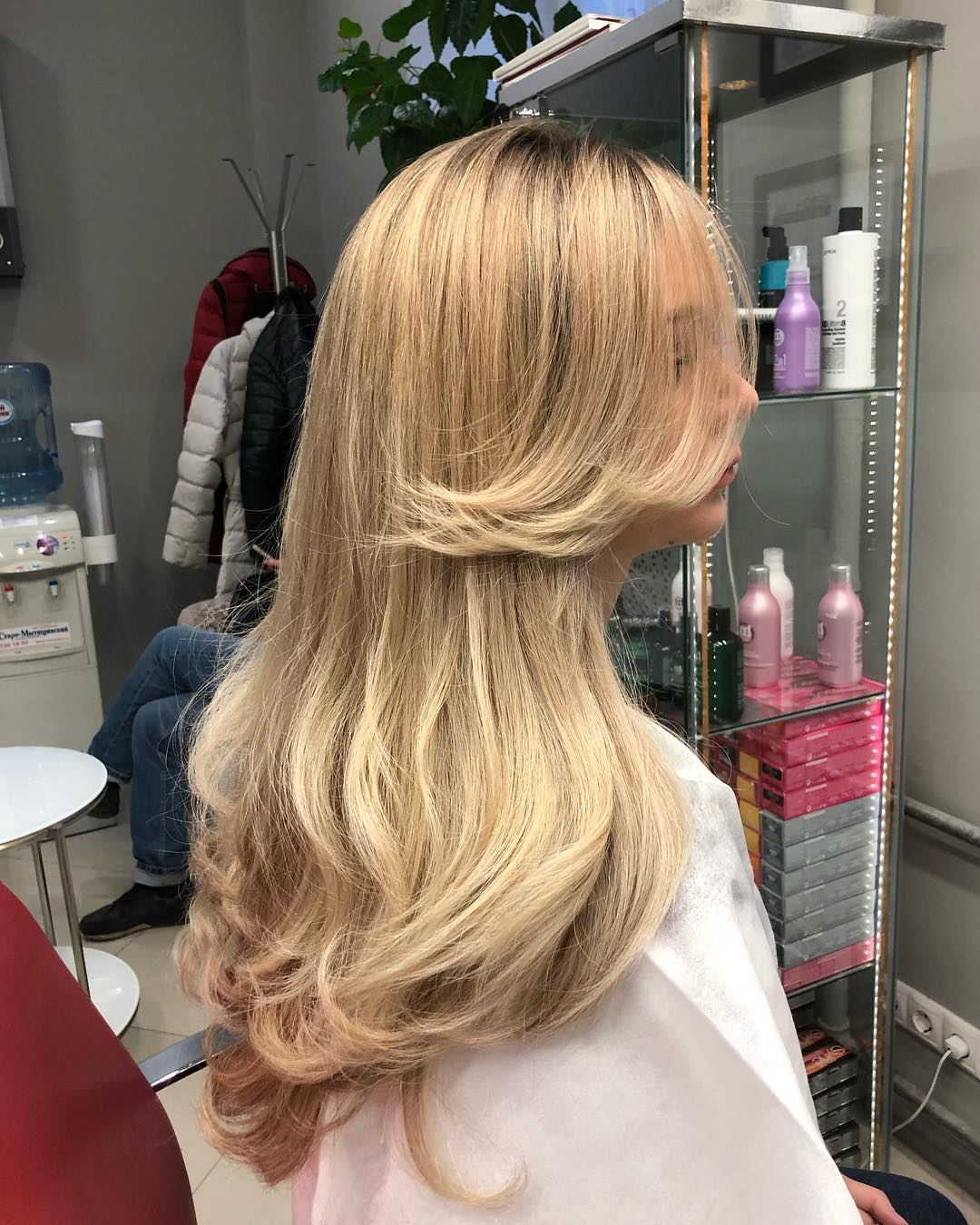 Стрижки-на-длинные-волосы-2019-женские-фен-укладка