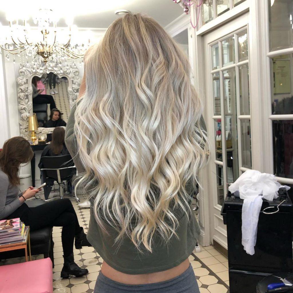 Стрижки-на-длинные-волосы-2019-женские-укладка