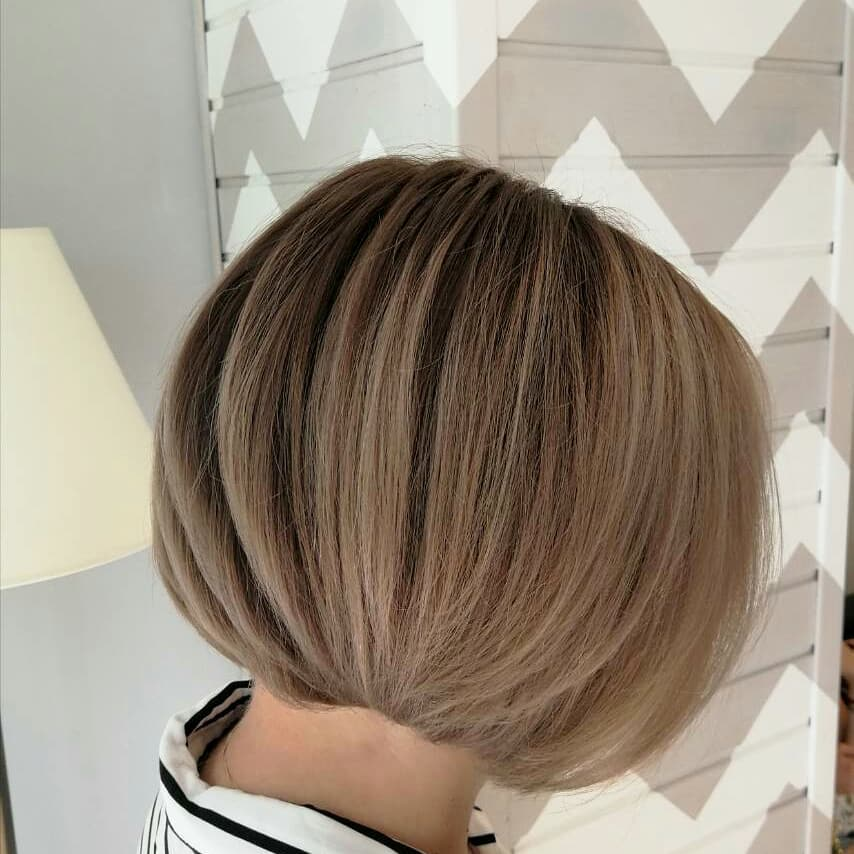 стрижки-каре-2019-классический-блонд