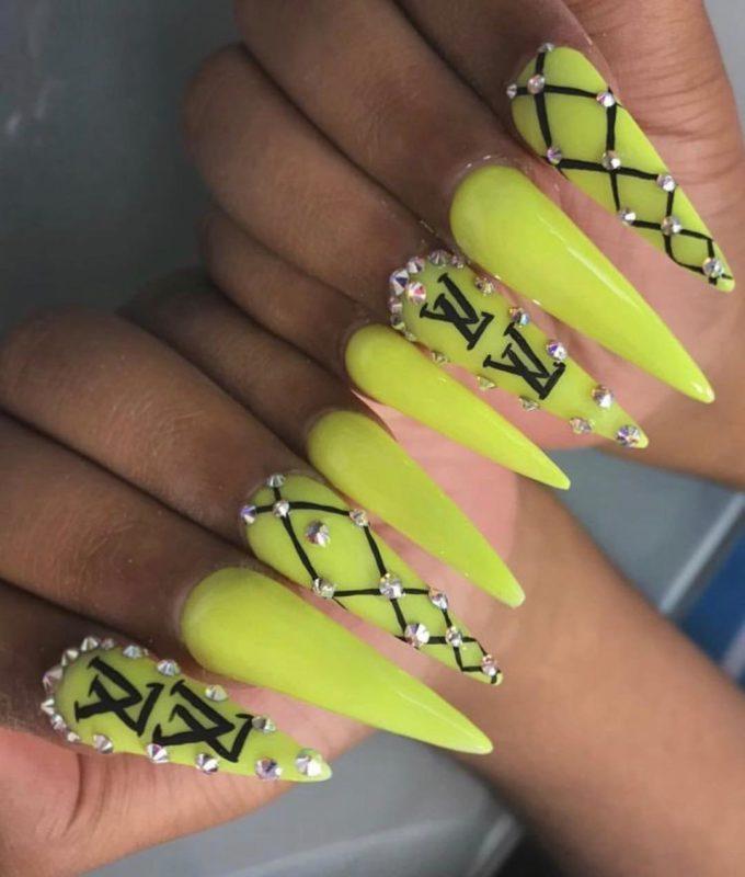 длинные-острые-ногти-2019