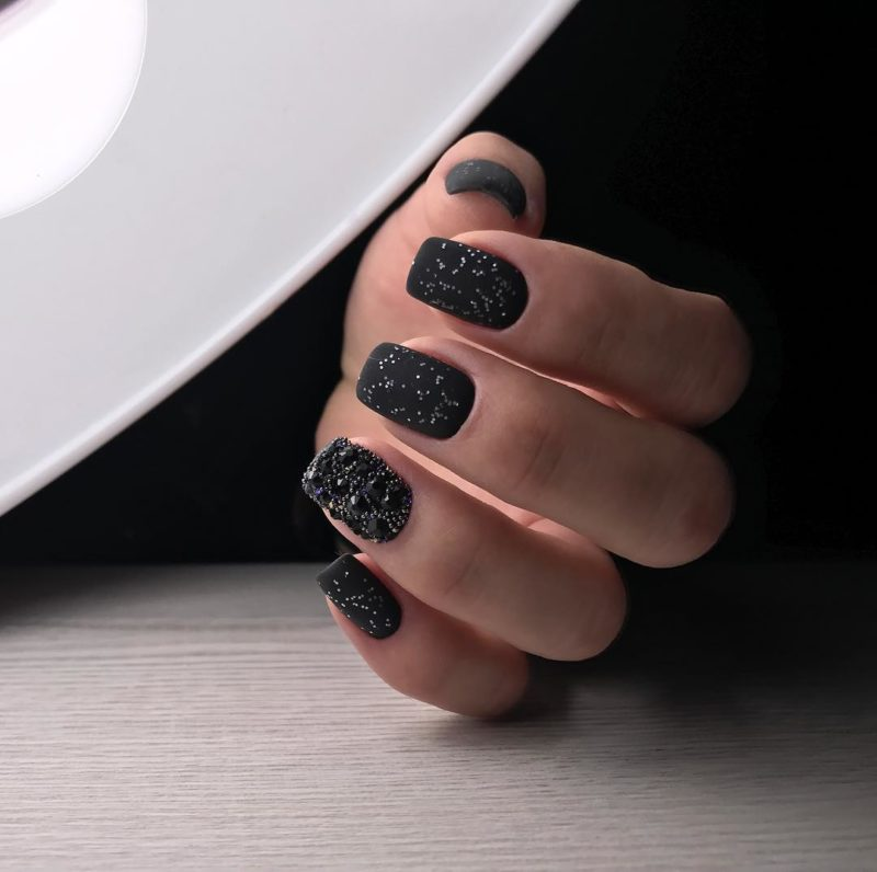 короткие-ногти-2019