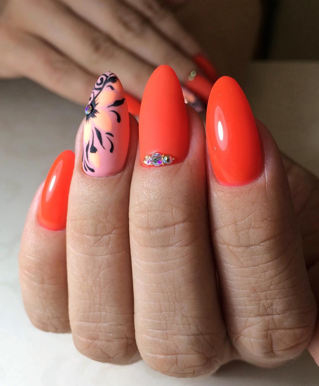 Миндальные-ногти-2020:-советы-и-новые-подходы