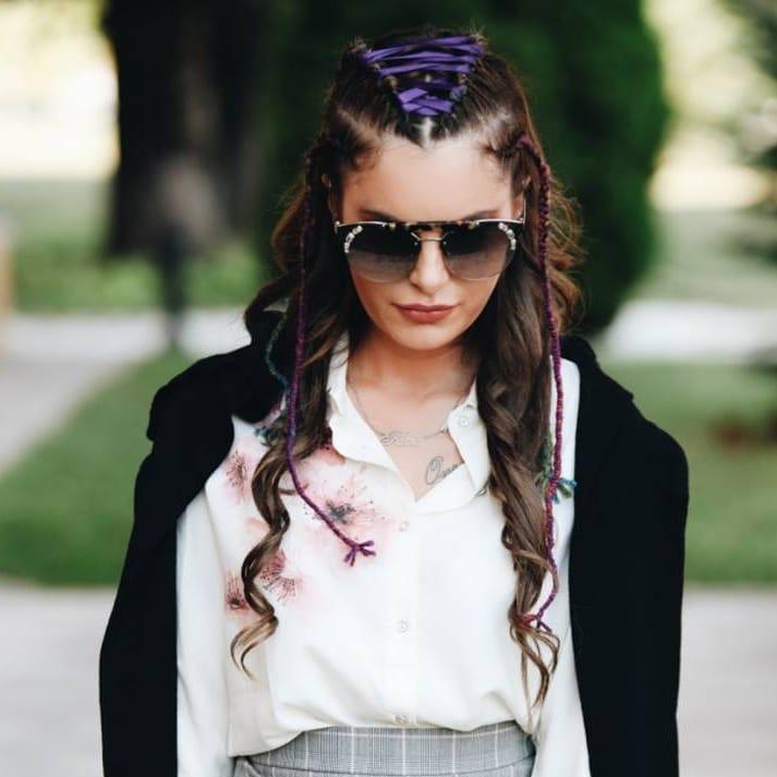 Модные укладки и стрижки на средние волосы 2021 года (30+ фото)