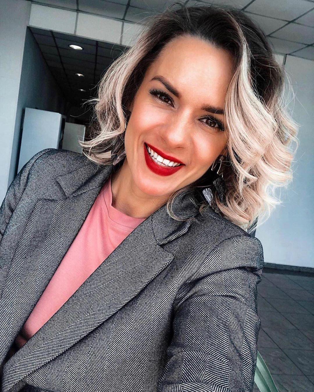 Стрижки На Средние Волосы 2021: Актуальные и Стильные Варианты